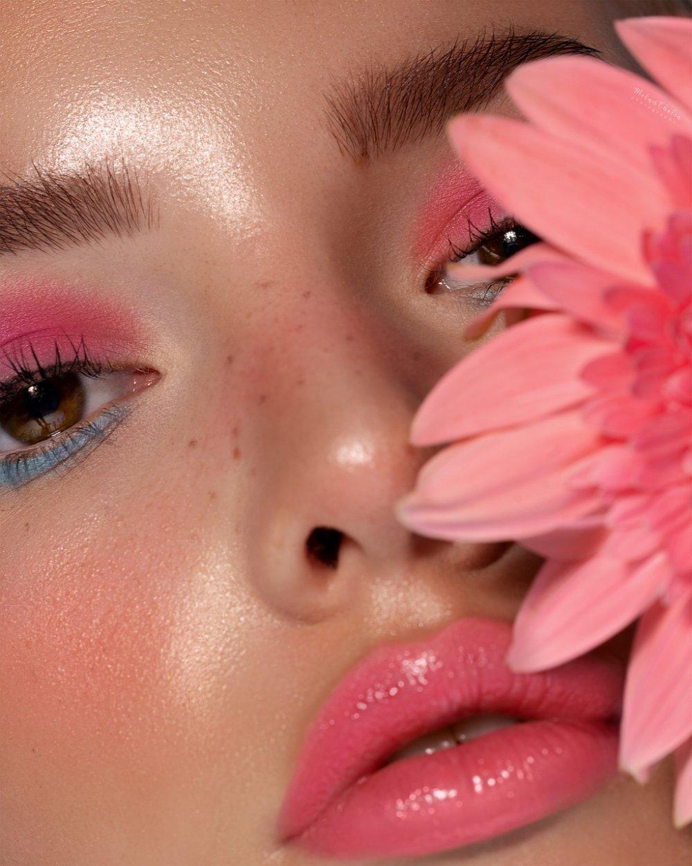 Vill du släta ut rynkor, återfukta huden eller rengöra den? en ansiktsmask kan ge huden det lilla extra